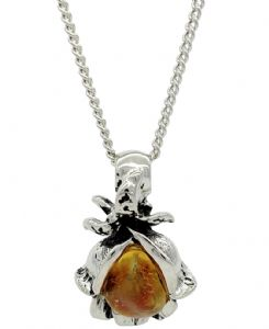 Vintage Style Baltic Amber Stone Rose Flower Shaped Pendant / Necklace